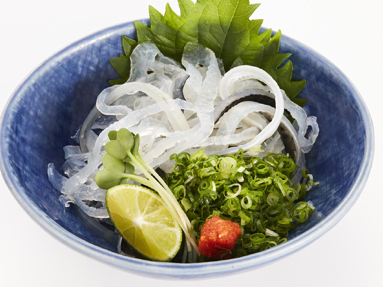 Sashimi of parboiled skin